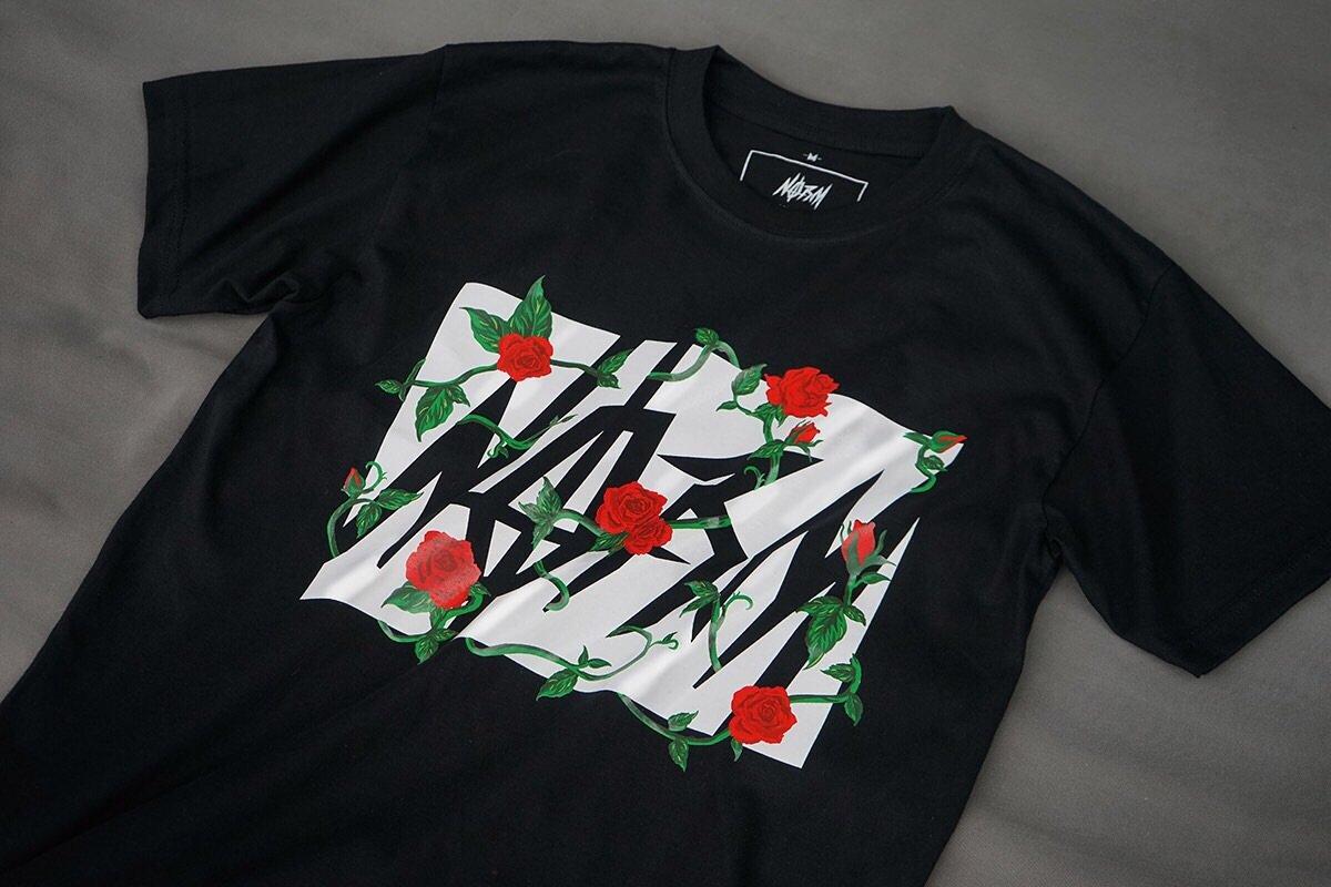 Thunder Roses Black